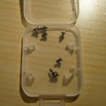 Unerlässlich: Schrauben in einem Kästchen sammeln!